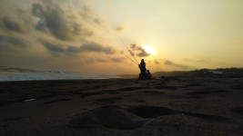 Menikmati Indahnya Senja Bersama Kesayangan di Pantai Parangtritis