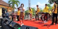 Begini Cara Mahasiswa Universitas di Semarang Hibur Pasien Isolasi Dengan Musik