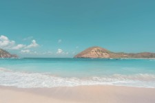 Sejuknya  Pantai Mawun Lombok