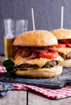 Resep Makanan Membuat Burger Mudah dan Lezat